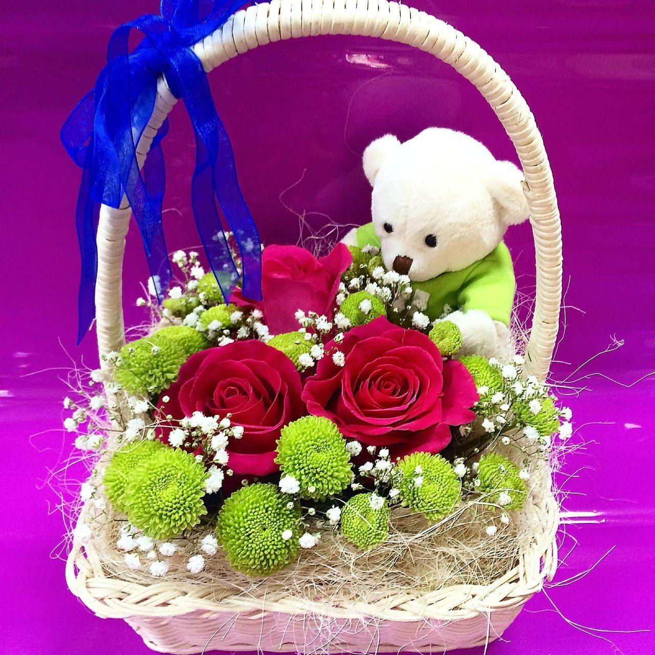 Цветы с игрушками фото цена